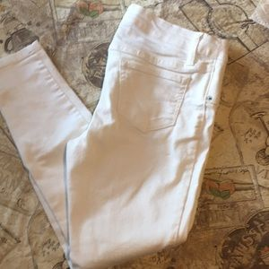 Worn once white ankle jeans!